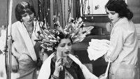Geçmişte Kadınların Kullandığı İlginç Güzellik Ürünleri