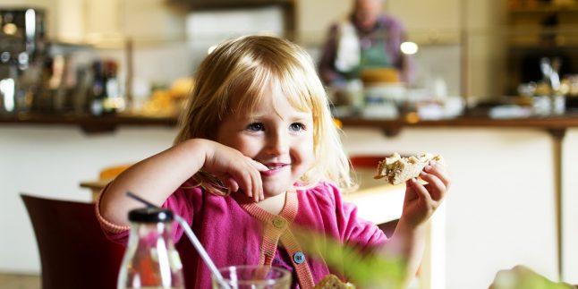Çocuğum Ne Kadar Yemek Yemek İstiyor?