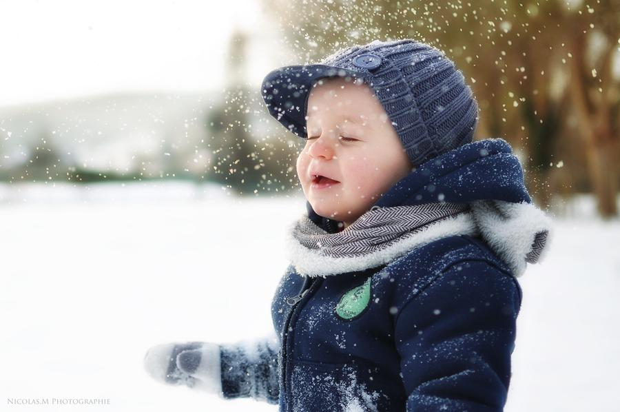 baby-in-snow