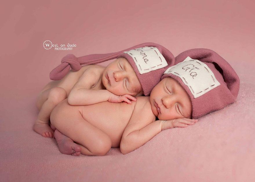 ikiz bebekler