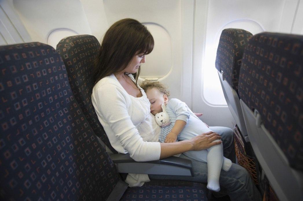 Bebekle Uçak Yolculuğu Nasıl Yapılmalıdır?