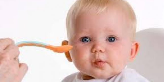 0-1 Yaş Çocuk Beslenmesi ve Anne Sütü Faydaları – Diyetisyen Gül Özen