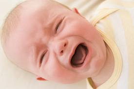 Emziren Annenin Yedikleri Bebekte Gaz Yapar mı?