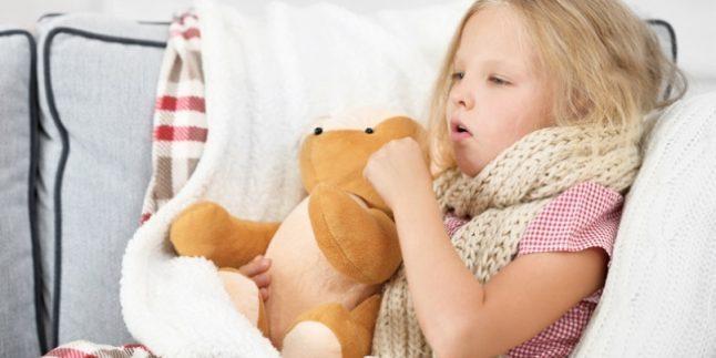 Öksüren Çocuğun Ayaklarına ve Göğsüne Vicks Sürmek Zararlı mıdır?